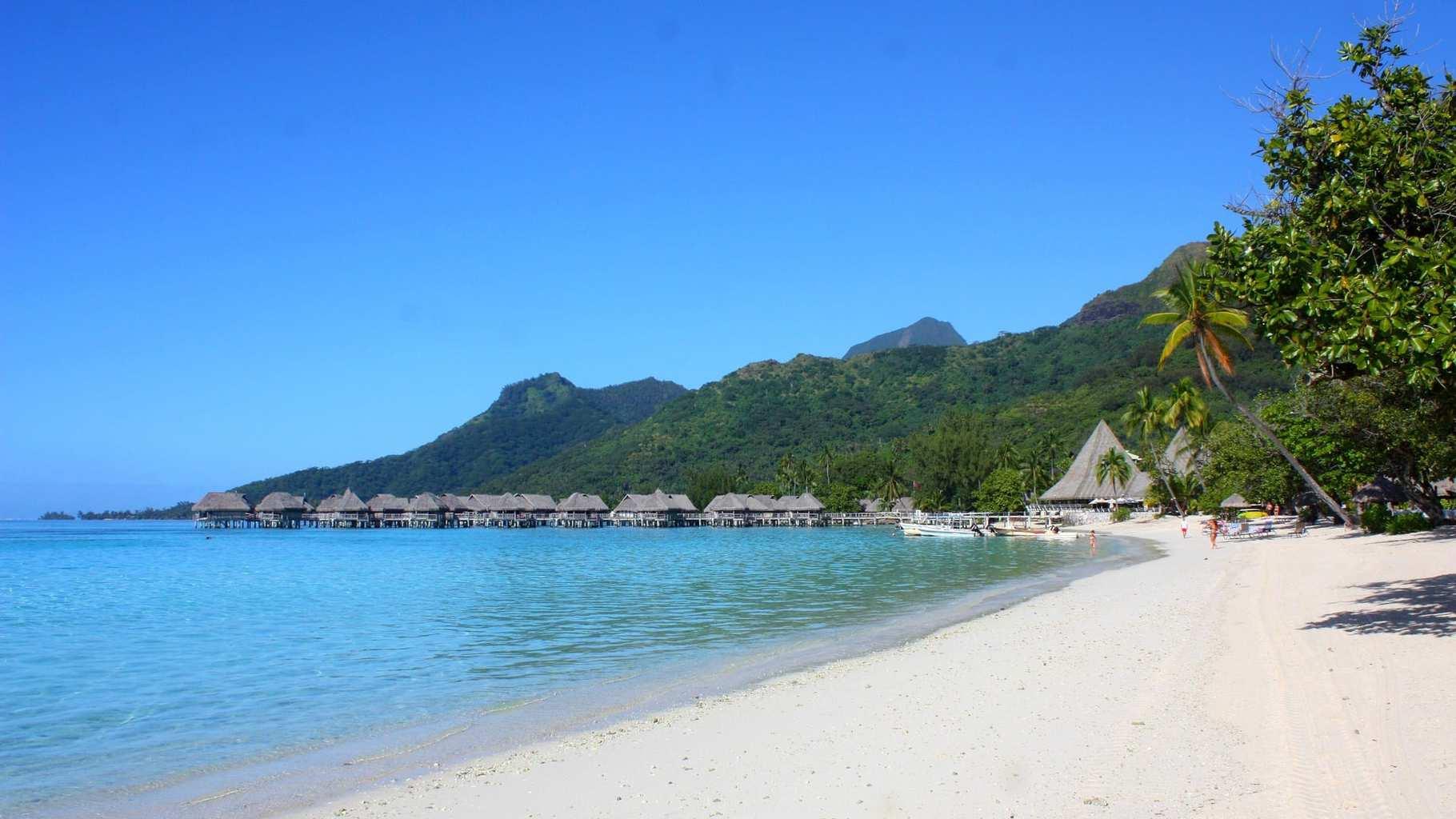Temae Plage Publique, Moorea, French Polynesia